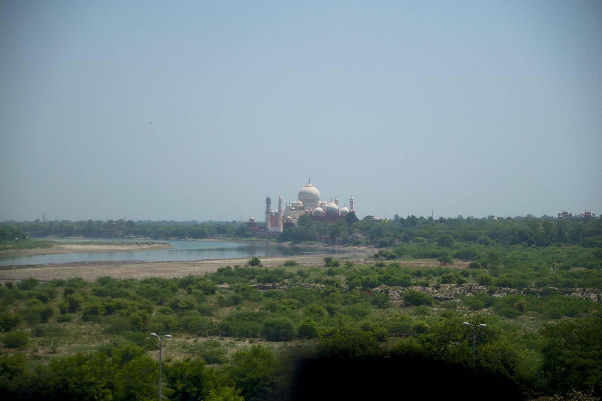 Тадж-Махал - восьмое чудо света.